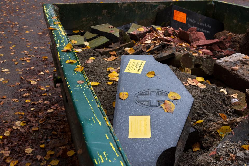 Wiesbaden_Nordfriedhof_201811#19-0493