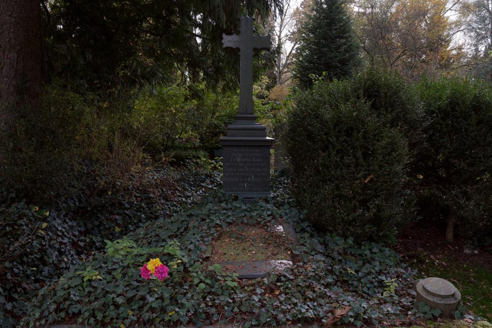 N_FriedhofOkt#29-3672